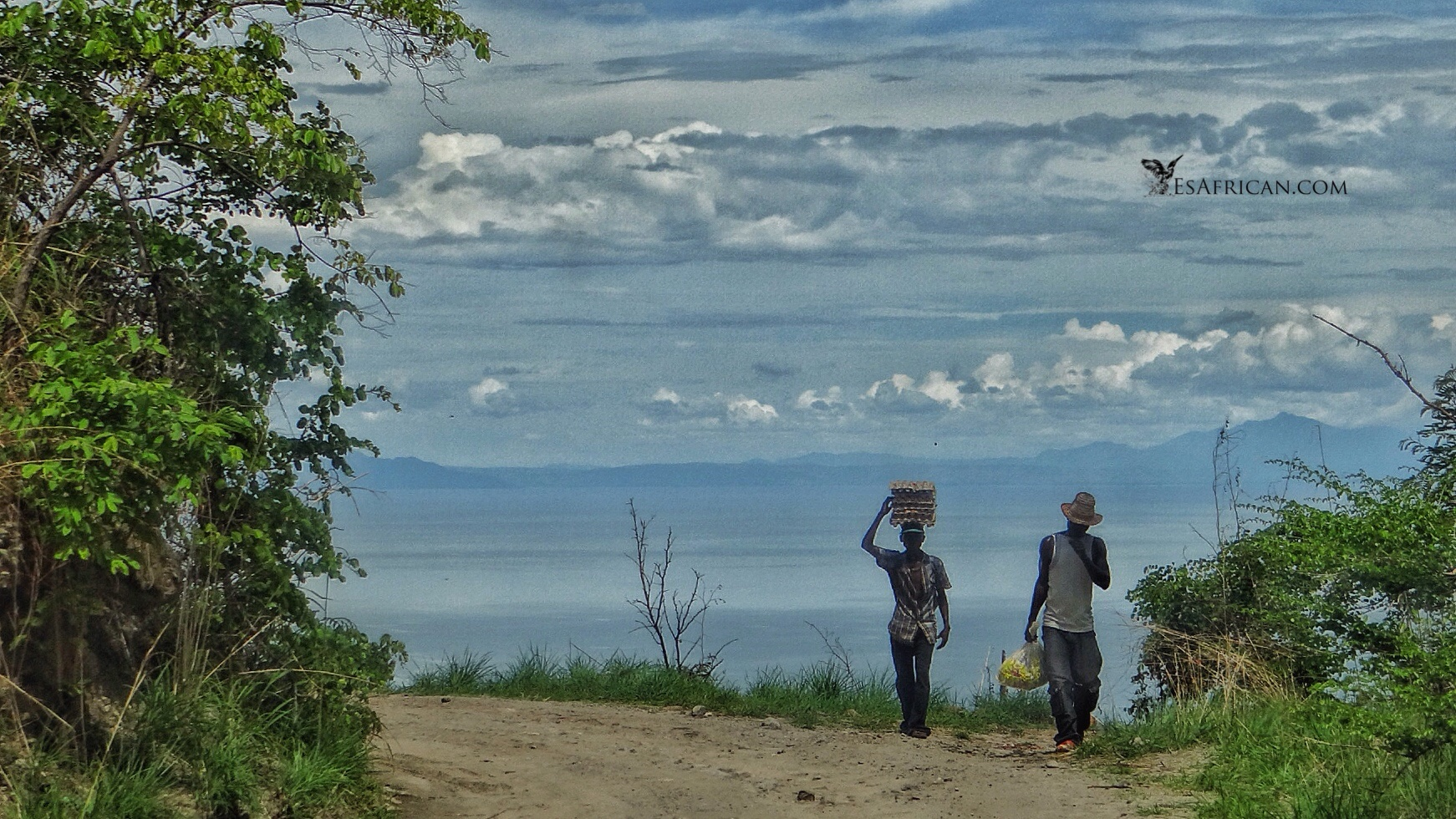 Lake Malawi view from the notorious Livingstonia Road. Some people prefer to hike this route but I did not find any great problem with the road. I have a list of very interesting roads I have driven in Malawi. Many prefer to walk on those routes..